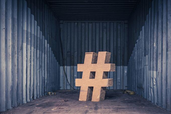 Hashtag aus Holz