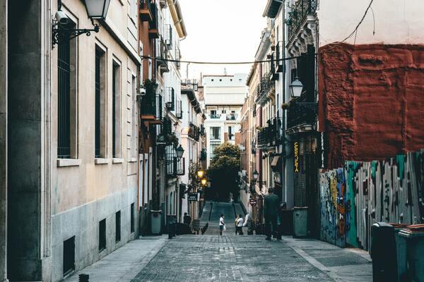 Descubre la guía definitiva para hacerte fotos en tu ciudad - El hive blog